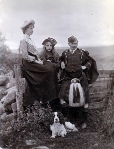 Great-Aunt Janet Allan, Gran Lovie Allan, and Juke Allen, circa 1904